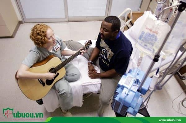 Âm nhạc trị liệu kết hợp khi điều trị u tuyến giáp