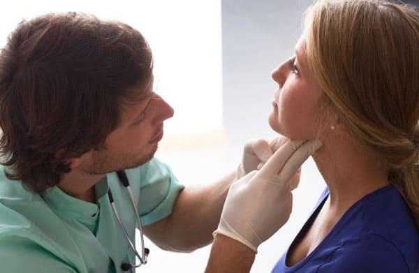 Cách kiểm tra ung thư tuyến giáp giai đoạn đầu