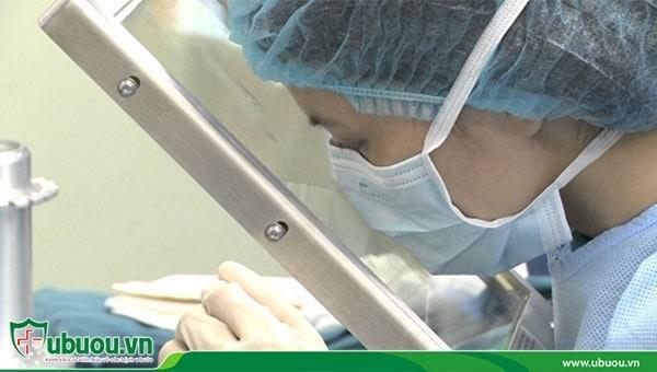 Cấy hạt phóng xạ tiêu diệt và ngăn ngừa khối u tái phát