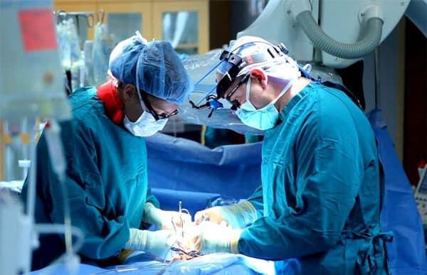 Phẫu thuật điều trị ung thư tuyến giáp giai đoạn đầu