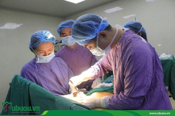 Phẫu thuật loại bỏ khối u tuyến giáp di căn