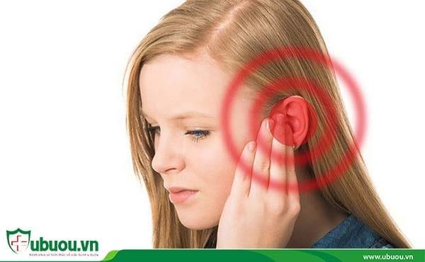 Tai bị ù một bên thường xuyên - Biểu hiện ung thư vòm họng