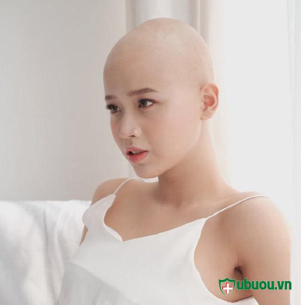 Thủy tiên vui vẻ đón nhận với căn bệnh ung thư