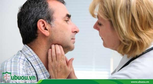Ung thư vòm họng ở góc hàm đã nổi hạch khá rõ