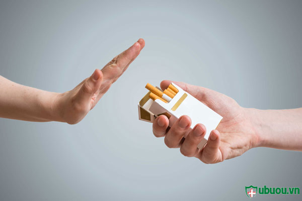 HÚt thuốc là làm tăng nguy cơ mắc bệnh ung thư vòm họng