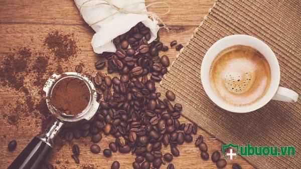 cần kiêng các sản phẩm có chứa cafein trong qáu trình điều trị bệnh