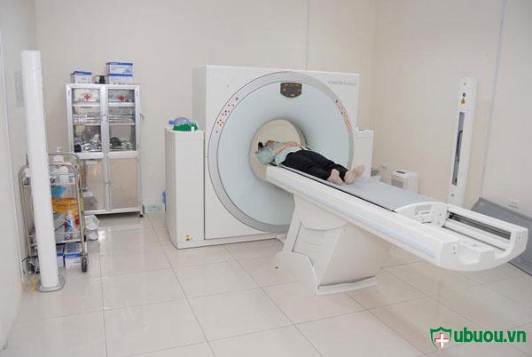 Xạ trị tế bào ung thư tuyến giáp bằng i ốt 131