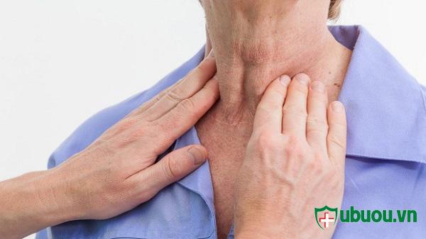 Khám u tuyến giáp thường xuyên giúp bác sỹ đưa ra được những hướng dẫn điều trị bệnh