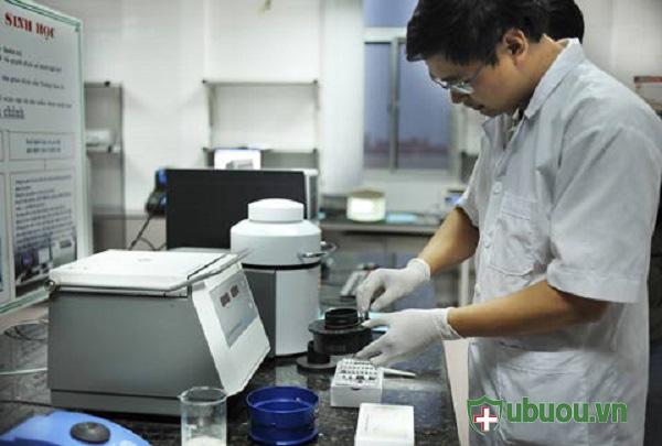 Phân tích mẫu tại phòng thí nghiệm