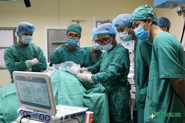 Phẫu thuật nội soi u tuyến giáp thùy trái
