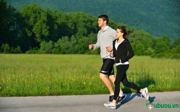 hãy luyện tập thể dục thể thao để điều trị u xơ tử cung