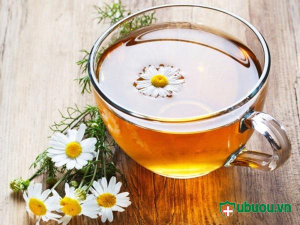 uống trà hạn chế sự phát triển của u xơ tử cung