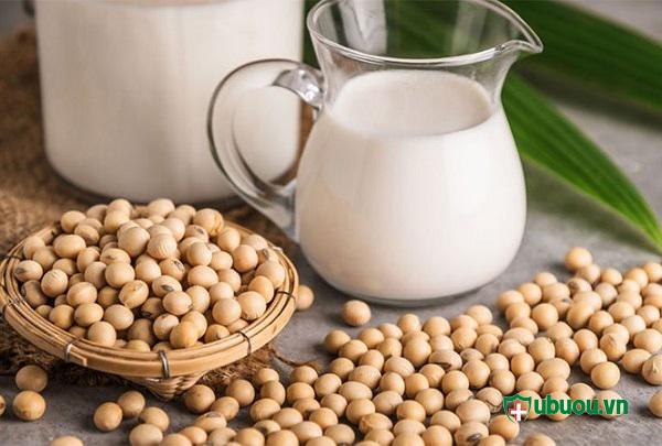 Uống sữa đậu nành gây ảnh hưởng đến sức khỏe người bệnh