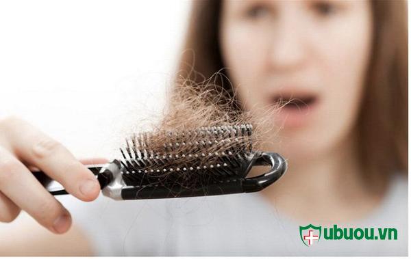 rụng tóc và da khô giáp hơn bình thường