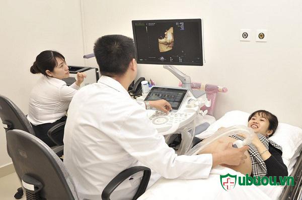 Siêu âm và xác định tình trạng thai nhi thường xuyên khi mẹ bị basedow